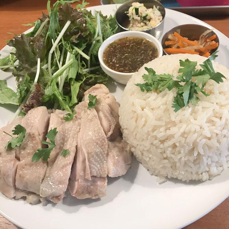 タイ食堂RAKのカオマンガイ